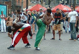300px-Capoeira-in-the-street-2.jpg